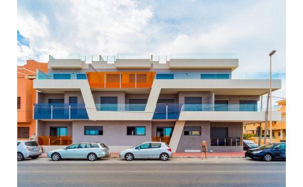 Moderna lägenheter på första raden