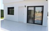 120, Nya, välbyggda lägenheter nära stranden