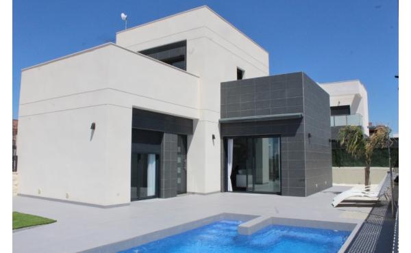 Nya välbyggda tvåplansvillor i Rojales