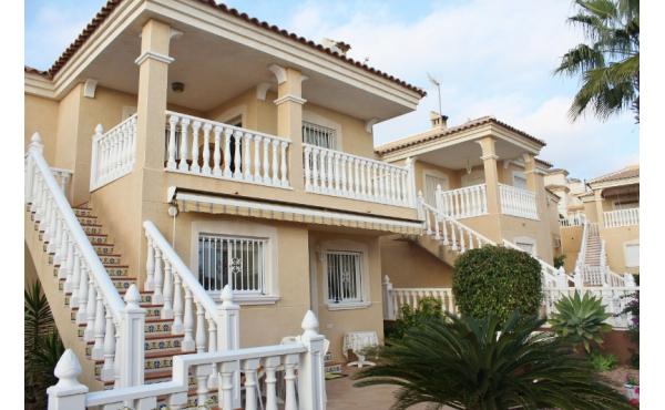 Stor villa i Monte Golf