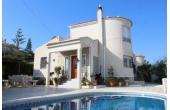 CC024, Stor villa i Ciudad de las Comunicaciones med privat pool