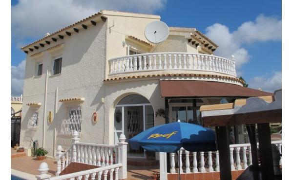 Villa till salu i El Presidente