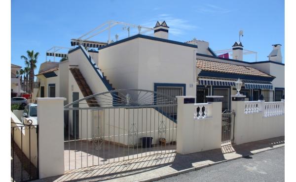 Fyrklövers hus i Playa Flamenca, kort avstånd till bekvämligheter