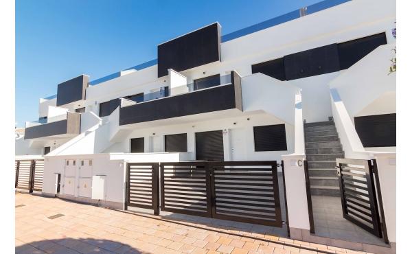 Nya, lyxiga lägenheter nära stranden