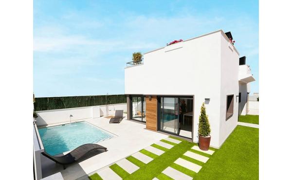 Modern villa nära golfbanan