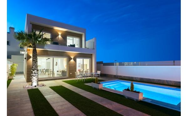 Brand New Detached Villas For Sale in Pilar de la Horadada