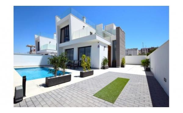 Vacker helt ny villa i Los Montesinos
