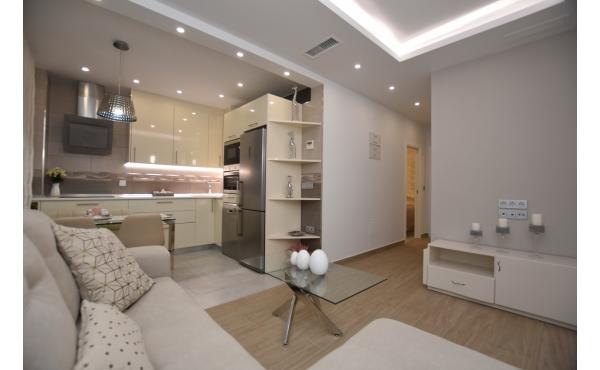Helt reformerad lägenhet inklusive garage