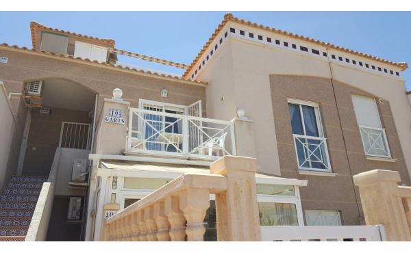 Trevlig övre våningen lägenhet i Aguas nuevas nära stranden